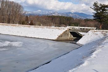 みどり湖からの金峰山.jpg
