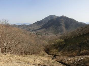 長七郎から黒檜山手前が駒ケ岳.JPG